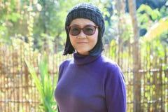 49s充满幸福sm的岁泰国妇女画象顶头射击  免版税库存图片
