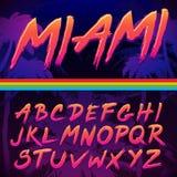 80s减速火箭的未来主义样式字体 皇族释放例证
