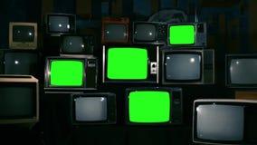 80S有绿色屏幕的电视 放大 蓝色钢口气 股票录像