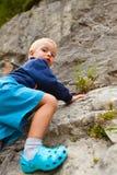 S'élever de petit garçon Images libres de droits