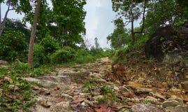 S'élever sur la colline Khoa Ra photographie stock libre de droits