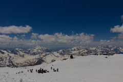 S'élever sur la montagne Elbrus Photos libres de droits