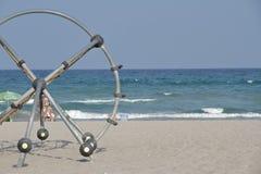 S'élever sur la plage photos stock