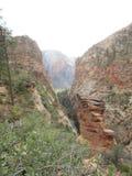 ` S Анджела приземляясь пеший путь, национальный парк Сиона, Юта Стоковые Фотографии RF
