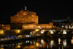 S 安吉洛城堡在夜之前 库存照片