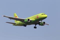 S7 - 西伯利亚航空公司空中客车A319-114航空器 免版税库存照片