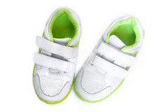 子项s穿上鞋子体育运动 免版税库存图片