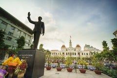 Здание в Сайгоне, Вьетнам комитета людей s Стоковая Фотография RF