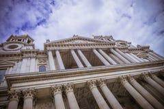 圣保罗s大教堂在伦敦 免版税图库摄影