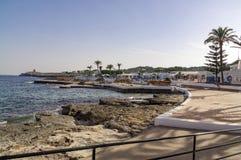 S'algar en Espagne sur l'astuce du sud de l'île regardant vers la mer Méditerranée Photos stock