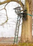 ` S alto Seat del cacciatore dei cervi Fotografia Stock Libera da Diritti