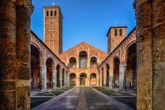 S Ambrogio kyrka, Milan royaltyfri fotografi