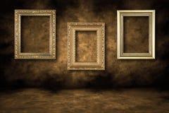 S'arrêter vide de cadres de tableau de Guilded Photo stock