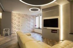 70 ` s Artwohnzimmer mit Fernsehen Lizenzfreie Stockfotografie