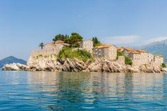 Sławna wyspa Sveti Stefan w Adriatyckim morzu blisko Budva Montenegro Obrazy Stock