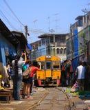 Sławni kolej rynki przy Maeklong Obrazy Stock