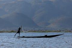 Sławni nóg rowers od Inle jeziora w Myanmar Obrazy Stock
