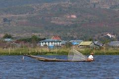 Sławni nóg rowers od Inle jeziora w Myanmar Zdjęcia Royalty Free
