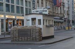 S?awny Checkpoint Charlie w Berlin zdjęcie royalty free