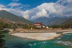 S?awny Punakha Dzong w Bhutan zdjęcia stock