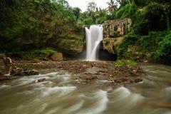 Sławny Tegenungan nie daleko od Ubud na Bali w Indonezja Zdjęcia Royalty Free