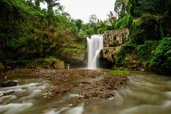 Sławny Tegenungan nie daleko od Ubud na Bali w Indonezja Zdjęcia Stock