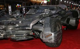 ` S Batmobile de League de justice Photos stock