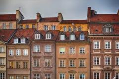 ` S Città Vecchia Market Place Rynek Starego Miasta di Varsavia un giorno soleggiato, che è la parte concentrare e più vecchia di Fotografie Stock Libere da Diritti