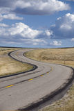 S-curve in rijweg stock foto