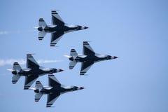 s?d d s c najwy?szy u Washington S Airforce thunderbirdy lataj? obok przy Cleveland Ohio Sept w 2009 obraz stock