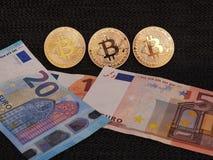 ` S de Bitcoin e de Euro Imagem de Stock