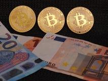 ` S de Bitcoin e de Euro Fotografia de Stock Royalty Free