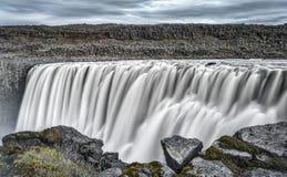 ` S de l'Europe la plupart de cascade puissante, Dettifoss en Islande Photographie stock