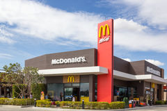` S de McDonald no castelo do buriram, Tailândia Imagem de Stock