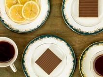 ` S de millionnaire sablé avec le thé noir de citron Images stock