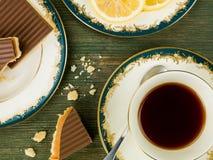 ` S de millionnaire sablé avec le thé noir de citron Image libre de droits