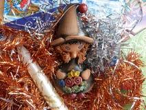 ` S del Año Nuevo y la Navidad Vela del gnomo y de la Navidad El interior del Año Nuevo Imágenes de archivo libres de regalías