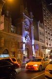 ` S della st Malachy la chiesa cattolica del ` degli attori alla notte fotografie stock