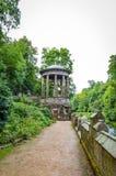 ` S di Edimburgo, Scozia - di St Bernard bene a Stockbridge fotografia stock