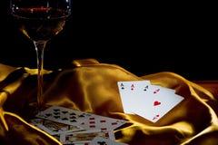 Ás e vinho do póquer Fotos de Stock
