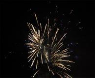 ` S Eve Fireworks för nytt år royaltyfri bild