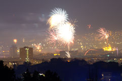 ` S Eve Fireworks Varna Bulgaria del Año Nuevo Fotos de archivo libres de regalías