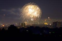 ` S Eve Fireworks Varna Bulgaria för nytt år arkivfoto