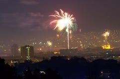 ` S Eve Fireworks Varna Bulgaria för nytt år royaltyfria bilder