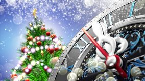 ` S för nytt år på midnatt - gammal klocka med stjärnasnöflingor och ferieljus 4K arkivfilmer