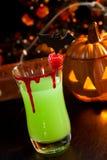 вампир поцелуя s halloween пить коктеила Стоковые Фото