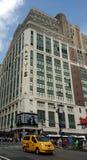 ` S Herald Square New York City de Macy con el taxi amarillo, NYC, los E.E.U.U. Foto de archivo