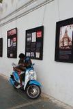 S'informer (Bangkok - Thaïlande) Photo libre de droits