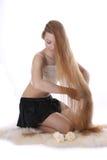 s'inquiète le cheveu de fille elle Photos libres de droits