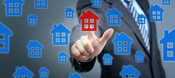 S?ka f?r fastighetegenskap, hus eller nytt hem royaltyfri fotografi